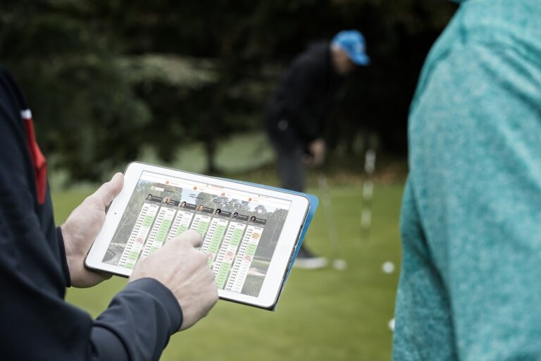 online golf lesson booking in XPOS Caddie app